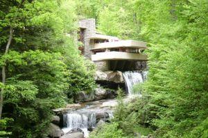 Luxusní bydlení Fallingwater – vila na vodopádu